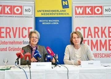 Wirtschaftslandesrätin Dr. Petra Bohuslav und Sonja Zwazl, Präsidentin der NÖ Wirtschaftskammer, präsentierten gemeinsame Maßnahmen zur positiven Entwicklung des Wirtschaftsstandortes Niederösterreich (von links nach rechts).