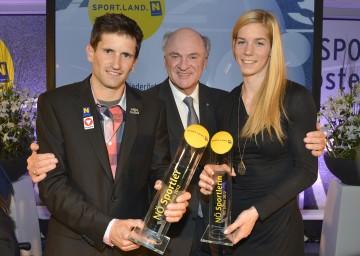 Landeshauptmann Dr. Erwin Pröll mit den niederösterreichischen Sportlern des Jahres, Beate Schrott und Kilian Fischhuber.