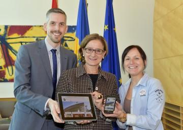 """Landeshauptfrau Mikl-Leitner: """"Die neue Landes-Homepage ist ein erster Schritt, bei dem es darum geht, dass sich Bürgerinnen und Bürger schneller und leichter zurechtfinden, wenn sie Anliegen haben."""""""