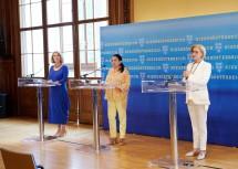 Landeshauptfrau Johanna Mikl-Leitner (r.) mit Maria Happel (m.) und Ulrike Sych (l.).