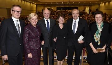 Paulus Hochgatterer, Elisabeth Pröll, Landeshauptmann Dr. Erwin Pröll, Christine Brandstetter, Justizminister Dr. Wolfgang Brandstetter, Dr. Elena Kirtcheva (Präsidentin des Vienna Economic Forums).