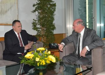 Arbeitsgespräch von Landeshauptmann Dr. Erwin Pröll mit Verteidigungsminister Mag. Hans Peter Doskozil.