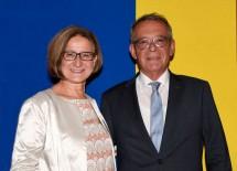 Landeshauptfrau Johanna Mikl-Leitner verabschiedete den scheidenden Bezirkshauptmann von Gmünd Johann Böhm in den wohlverdienten Ruhestand und dankte ihm für seine Arbeit.