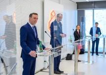 Bei der Pressekonferenz (v.l.): Landesrat Danninger, Minister Faßmann, Therese Niss und Markus Wanko