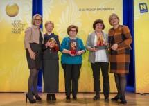 """Gratulation an die Gewinnerinnen der Kategorie """"Soziales und Generationen"""": Landeshauptfrau Johanna Mikl-Leitner, Margit Marina Fischer, Johanna Zeitlhofer, Christine Spangl  und Frauen-Landesrätin Barbara Schwarz (v.l.n.r.)"""