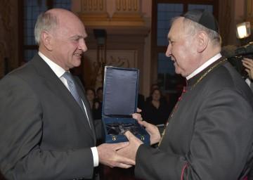 Landeshauptmann Dr. Erwin Pröll gratulierte dem Propst des Stiftes Herzogenburg, Mag. Maximilian Fürnsinn, zum 75. Geburtstag.