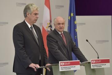 Landeshauptmann Dr. Erwin Pröll und Finanzminister Dr. Hans Jörg Schelling zum Thema Breitband-Ausbau in Niederösterreich.
