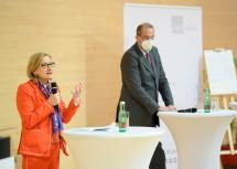 Die erfolgreiche Weiterentwicklung des IST Austria soll langfristig abgesichert werden. Im Bild Landeshauptfrau Johanna Mikl-Leitner und Bundesminister Heinz Faßmann