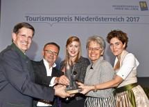 Im Bild von links nach rechts: Christoph Madl, Geschäftsführer Niederösterreich-Werbung, Christian Guzy (Diamond Experience), Doris Ploner (Die Käsemacher), Tourismuslandesrätin Petra Bohuslav und Katrin Lux
