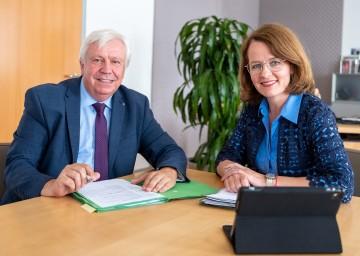 Bildungsdirektor Johann Heuras und Bildungs-Landesrätin Christiane Teschl-Hofmeister