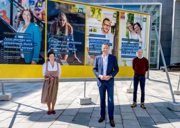 Landesrat Jochen Danninger präsentierte, flankiert von Michaela Schachner vom Hotel Schachner in Maria Taferl und Josef Weghaupt, dem Geschäftsführer von Joseph Brot in Burgschleinitz, in St. Pölten eine neue Werbekampagne zum Wirtschafts-, Tourismus- und Sport-Neustart in Niederösterreich.