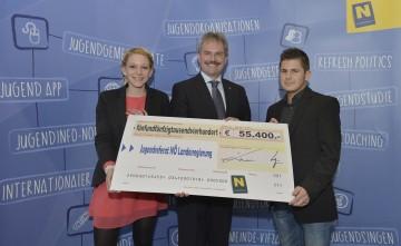 Unterstützung für Jugendtreffs in Niederösterreich: Bernadette Adl, Jugend-Landesrat Karl Wilfing und Patrick Rohrböck. (v.l.n.r.)