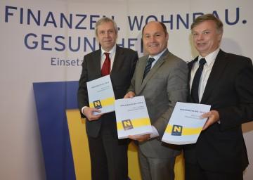 Landeshauptmann-Stellvertreter Mag. Wolfgang Sobotka präsentierte gemeinsam mit den Finanzexperten Dr. Reinhard Meißl und Rudolf Stöckelmayer den Budgetvoranschlag 2013.