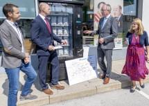(von links): Matthias Probst (Novogenia), Alexander Halenka (Sales Manager OMV), LH-Stellvertreter Stephan Pernkopf und Landesrätin Ulrike Königsberger-Ludwig