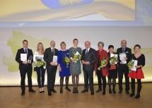 Landeshauptmann Dr. Erwin Pröll, Landesrätin Dr. Petra Bohuslav und Landesrätin Mag. Barbara Schwarz mit den Anerkennungspreisträgern der Wissenschaftsgala 2016.