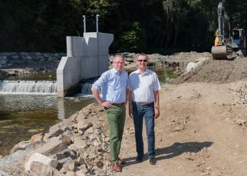 Im Bild von links nach rechts: Landesrat Dr. Stephan Pernkopf und Bürgermeister Rudolf Mayer