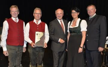 Ehrenpreisverleihung an niederösterreichische Blasmusikkapellen durch Landeshauptmann Dr. Erwin Pröll.