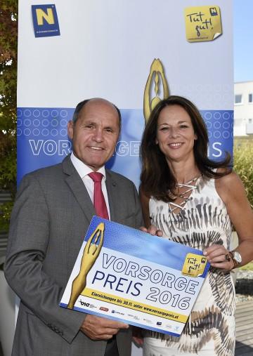 Landeshauptmann-Stellvertreter Mag. Wolfgang Sobotka und Dr. Vera Russwurm bei der Auslobung des Vorsorgepreises 2016 in St. Pölten.