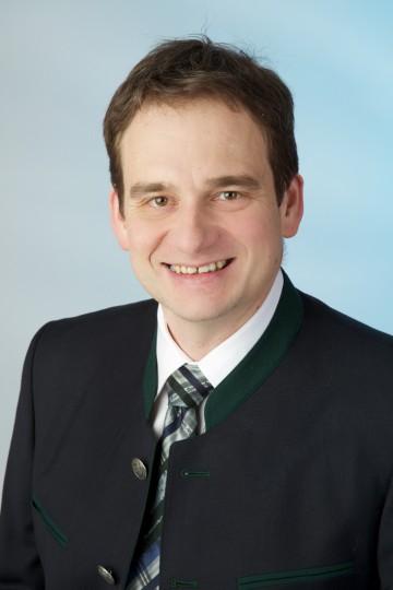 Neuer Leiter der Abteilung Straßenbetrieb des Amtes der NÖ Landesregierung: DI Ronald Dobrovits.