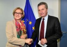 Auch im Arbeitsgespräch mit Budgetkommissar Günter H. Oettinger stand die Verlängerung der EU-Regionalförderung nach 2020 im  Mittelpunkt.