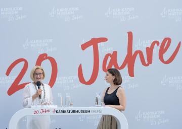 Landeshauptfrau Johanna Mikl-Leitner im Gespräch mit Moderatorin Lydia Prenner-Kasper