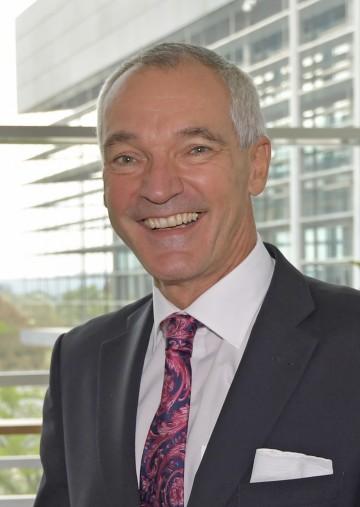 HR DI Walter Steinacker wurde mit Wirksamkeit vom 1. Dezember 2016 zum neuen Leiter der Gruppe Baudirektion des Amtes der NÖ Landesregierung sowie zum neuen Leiter der Abteilung Allgemeiner Baudienst (BD 1) bestellt.