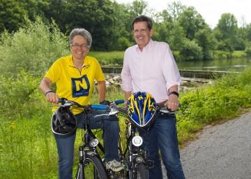 Im Bild von links nach rechts: Tourismuslandesrätin Dr. Petra Bohuslav und Prof. Christoph Madl, MAS (Geschäftsführer der Niederösterreich-Werbung) unterwegs am Traisentalradweg