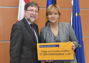 Präsentierten die wichtigsten Daten und künftigen Herausforderungen im Sozialbereich: Univ.-Prof. Dr. Franz Kolland  von der Universität Wien und Sozial-Landesrätin Mag. Barbara Schwarz. (v.l.n.r.)