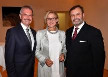 Landtagspräsident a. D. Hans Penz mit Landeshauptfrau Johanna Mikl-Leitner und Nachfolger Landtagspräsident Karl Wilfing.