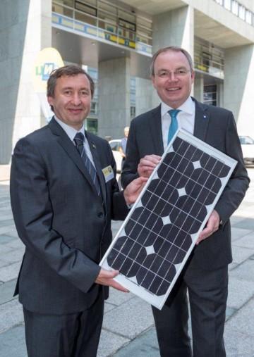 Im Bild von links nach rechts: Dr. Herbert Greisberger (Geschäftsführer der Energie- und Umweltagentur NÖ), Landesrat Dr. Stephan Pernkopf