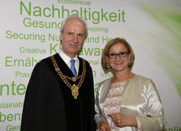 Landeshauptfrau Johanna Mikl-Leitner mit dem neuen Rektor der Universität für Bodenkultur, Hubert Hasenauer.