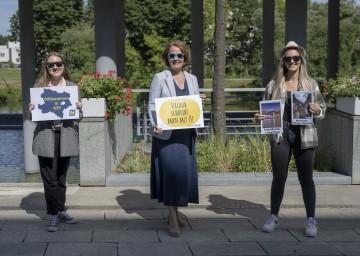 Jugend-Landesrätin Christiane Teschl-Hofmeister mit zwei Mitarbeiterinnen der Jugend:Info NÖ