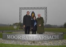 Eröffnung des neuen Kreisverkehrs mit Straßenbaudirektor DI Josef Decker, Bürgermeisterin Margit Göll und Landeshauptmann Dr. Erwin Pröll.