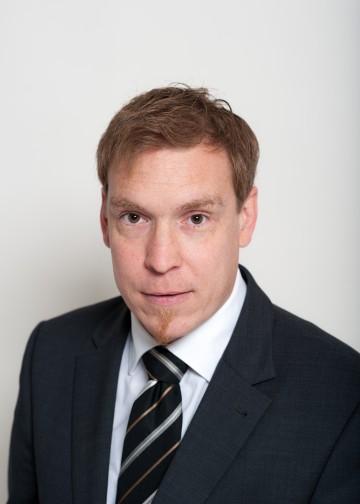 DI Christof Dauda, bisher Stellvertreter des Leiters der NÖ Straßenbauabteilung 5 in St. Pölten, wurde mit Wirksamkeit vom 1. Dezember 2015 neuer Leiter der Abteilung Landesstraßenplanung des Amtes der NÖ Landesregierung.