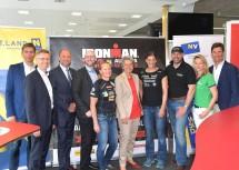 Kick-Off-Pressekonferenz zum Ironman 70.3 St. Pölten mit Sport-Landesrätin Petra Bohuslav (5.v.r.)