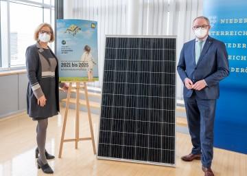 Landeshauptfrau Johanna Mikl-Leitner und LH-Stellvertreter Stephan Pernkopf informierten über das Klima- und Energieprogramm 2021 – 2025