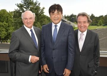 Landeshauptmann Dr. Erwin Pröll, der Chefdirigent der NÖ Tonkünstler Yutaka Sado und der Künstlerische Leiter von Grafenegg, Rudolf Buchbinder (v. l. n. r.)