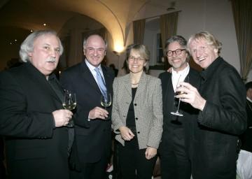 Künstlertreffen im Mostviertel: Im Bild Josef Bramer, LH Dr. Erwin Pröll, LR Dr. Petra Bohuslav, Adi Hirschal und Erwin Bros (v.l.n.r.)