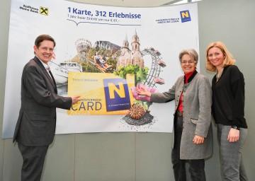 Die Niederösterreich-Card startet in ihre 12. Ausflugssaison. Im Bild von links nach rechts: Niederösterreich-Werbung Geschäftsführer Prof. Christoph Madl, Tourismus-Landesrätin Dr. Petra Bohuslav und Mag. (FH) Christiana Hess, Geschäftsführerin der Niederösterreich-Card