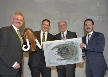 Im Bild von links nach rechts: Landesrat Mag. Karl Wilfing, Kurator Dr. Wolfgang Neubauer, Landeshauptmann Dr. Erwin Pröll und Geschäftsführer Mag. Matthias Pacher.