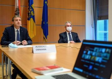 Europa-Ausschuss-Obmann LAbg. Jürgen Maier (l.) und Landtagspräsident Karl Wilfing nahmen beim ersten Video-Ausschuss des Niederösterreichischen Landtags teil