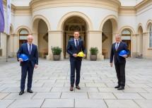 Ecoplus Geschäftsführer Helmut Miernicki, Wirtschafts- und Digitalisierungslandesrat Jochen Danninger und Innungsmeister Robert Jägersberger
