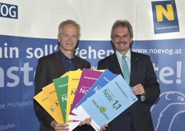 Gute Noten für die NÖVOG-Bahnen: NÖVOG-Geschäftsführer Dr. Gerhard Stindl und Verkehrs-Landesrat Mag. Karl Wilfing bei der Ergebnispräsentation der Fahrgastbefragung. (v.l.n.r.)