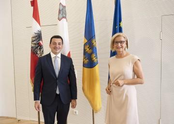 Landeshauptfrau Johanna Mikl-Leitner und Maltas Umweltminister Aaron Farrugia