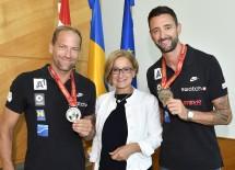 Gratulation zu WM-Silber: Alexander Horst, Landeshauptfrau Johanna Mikl-Leitner und Clemens Doppler (v.l.n.r.)