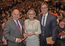 Landeshauptfrau Johanna Mikl-Leitner mit Bundesminister Wolfgang Sobotka und Landeshauptmann Arno Kompatscher.