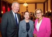 Landeshauptfrau  Johanna Mikl-Leitner und Landesrat Martin Eichtinger mit Bundesministerin Ines Stilling.
