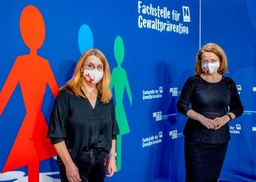 V.r.n.l.: Landesrätin Christiane Teschl-Hofmeister und Landesrätin Ulrike Königsberger-Ludwig.