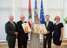 Nach der Ehrenzeichenverleihung (von links): Landeshauptmann a. D. Erwin Pröll, Michael Brainin, Barbara Schwarz, Sixtus Lanner und Landeshauptfrau Johanna Mikl-Leitner.