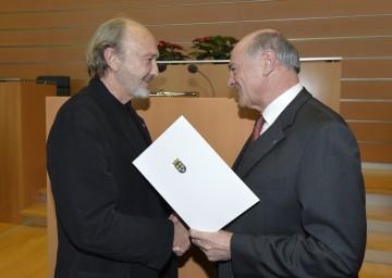 Miguel Herz-Kestranek erhielt für seine Verdienste um das Bundesland Niederösterreich das Große Ehrenzeichen von Landeshauptmann Dr. Erwin Pröll überreicht (v.l.n.r.).